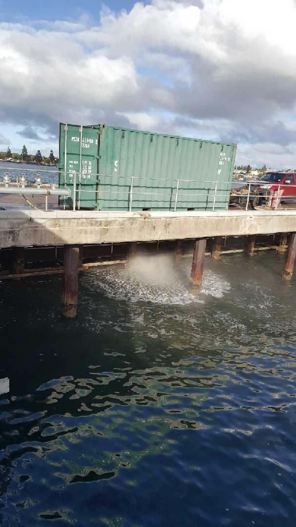 High pressure water diving works at port